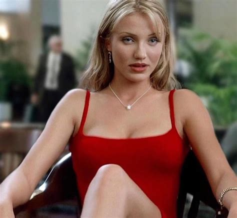 22 Hottest Actresses From '80s And '90s - Barnorama