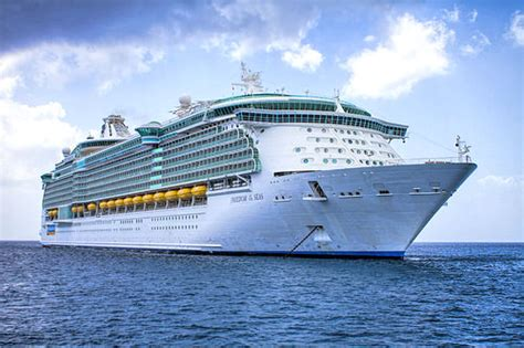 Hurricane Danny changes itinerary for Royal Caribbean's