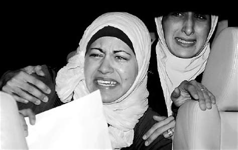 The sister (right) and wife of Jordanian pilot Lieutentant