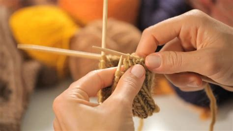 How to Work with Double-Pointed Needles   Circular