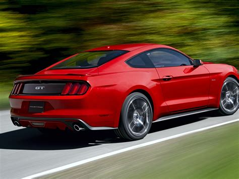 Ford Mustang VI 2