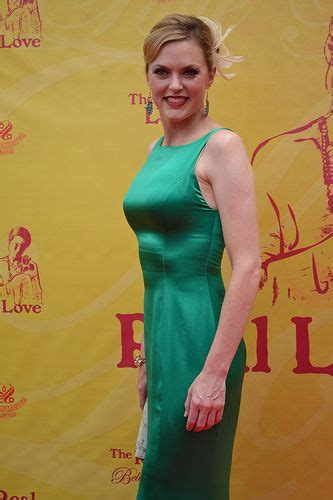 Elaine Hendrix Bra Size, Age, Weight, Height, Measurements