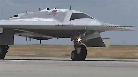 Full Analysis Of The First Flight Of Russia's 'Hunter