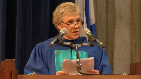 Anne Murray presented with honourary degree at Mount Saint