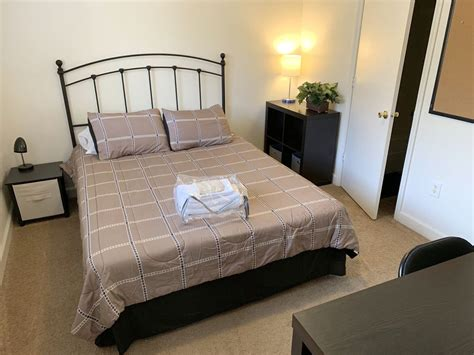 FULLY FURNISHED ROOM WITH PRIVATE BATHROOM, CLOSET, TV