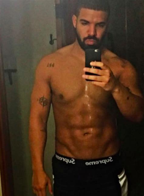 Oh My God Drake Has Literally Never Been Hotter In His