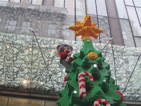 The Massive LEGO Christmas Tree at Westfield Sydney – Jay
