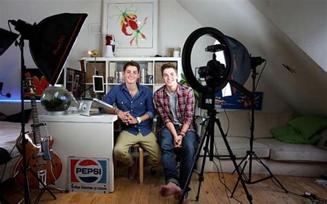5 Famous YouTubers Who Give Back | The Borgen Project