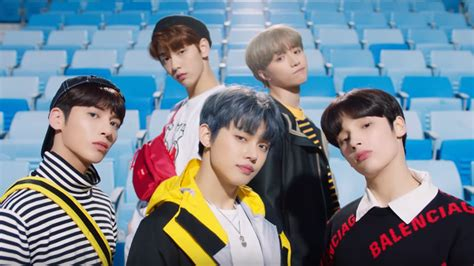 """TXT to release English version of """"Cat & Dog""""   SBS PopAsia"""