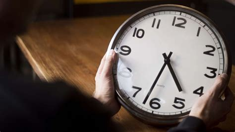 How daylight saving time works and why these states want