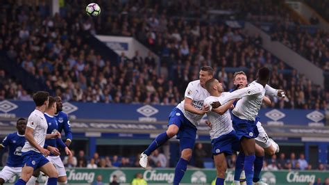 Everton 4-2 Leicester: Craig Shakespeare unhappy with