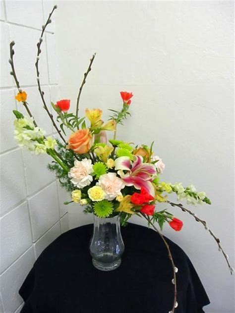 S shaped arrangement - California Flower Art Academy