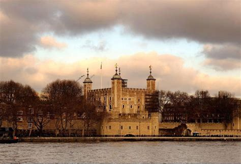 Thief steals Tower of London keys from unlocked sentry box