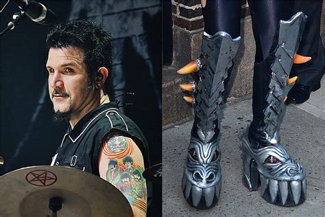 Anthrax's Charlie Benante Has 30-Foot KISS Boots Outside